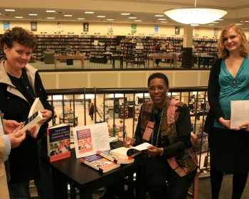 BookSigning Anna  with Bonnie and Bethany.jpg